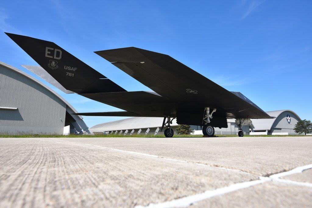 F-117 skrzydła
