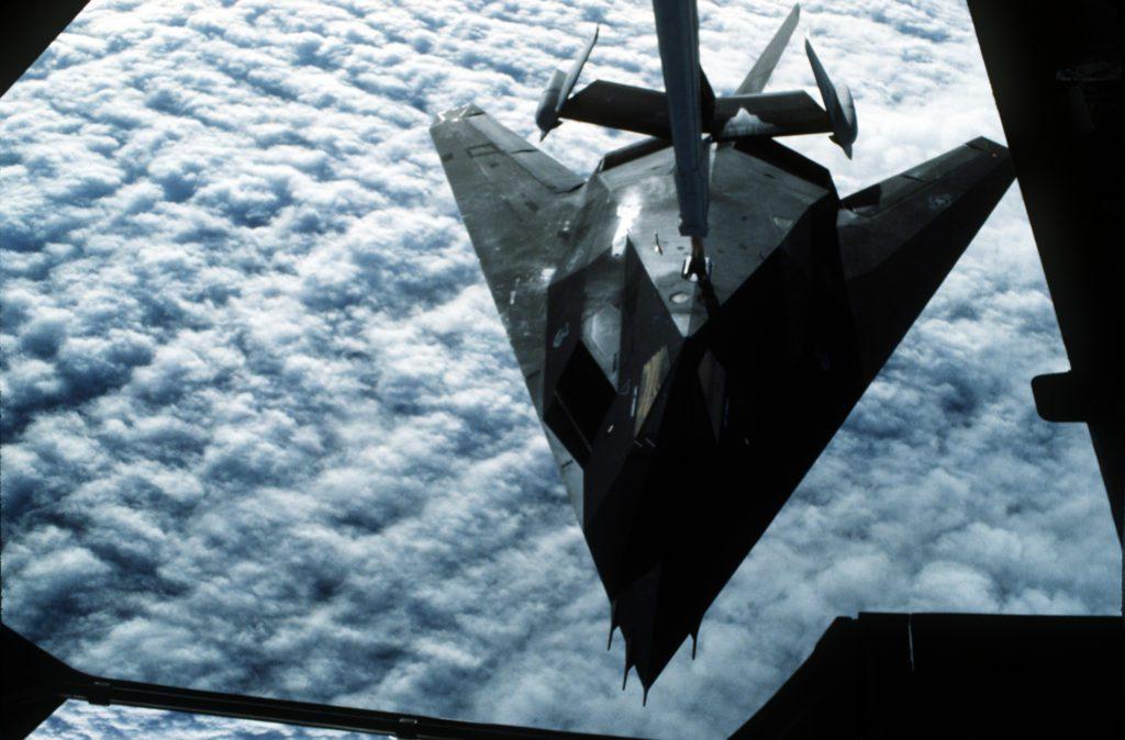 F-117 tankowanie