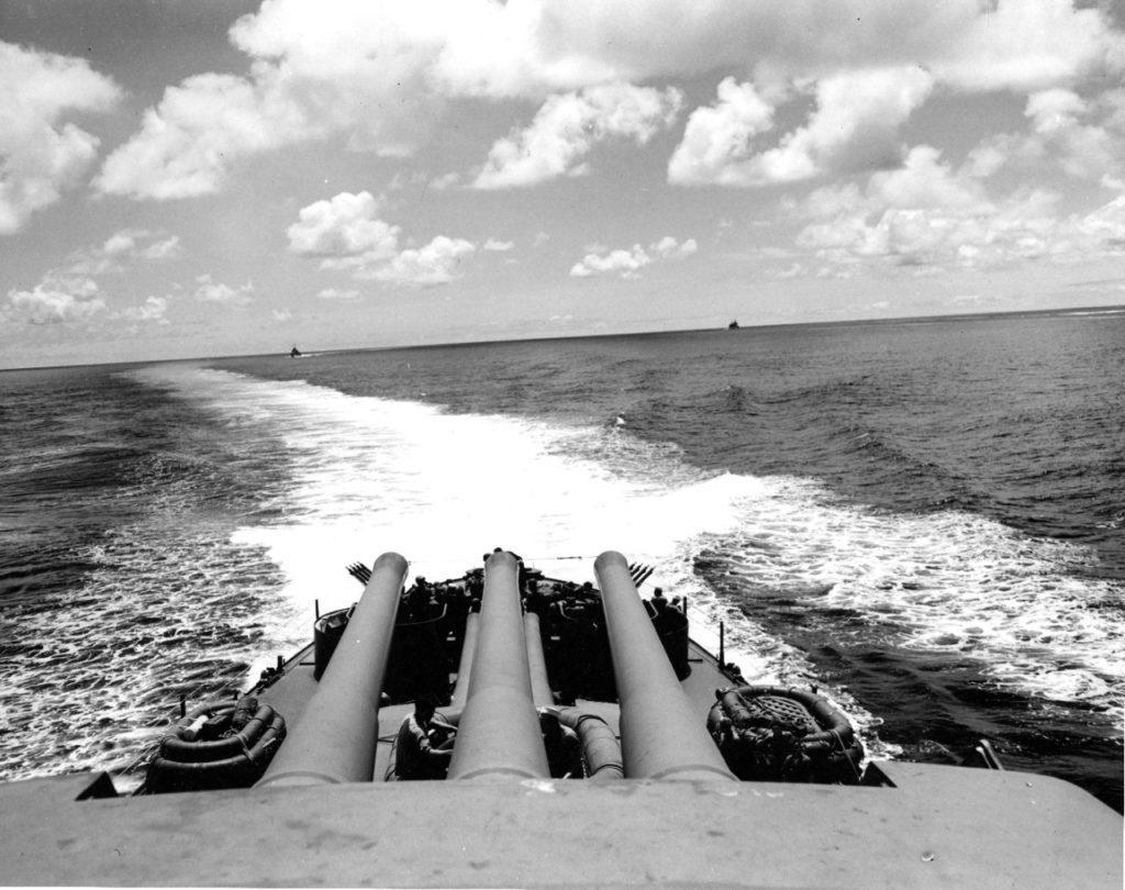 USS Pensacola działa