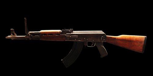 """AK-47 – od obrońcy """"raju robotników"""" do supergwiazdy popkultury"""