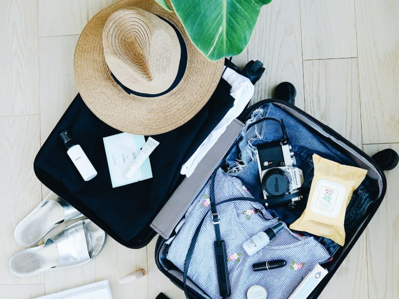 Co spakować do walizki? Akcesoria turystyczne, które sprawdzą się na wakacjach