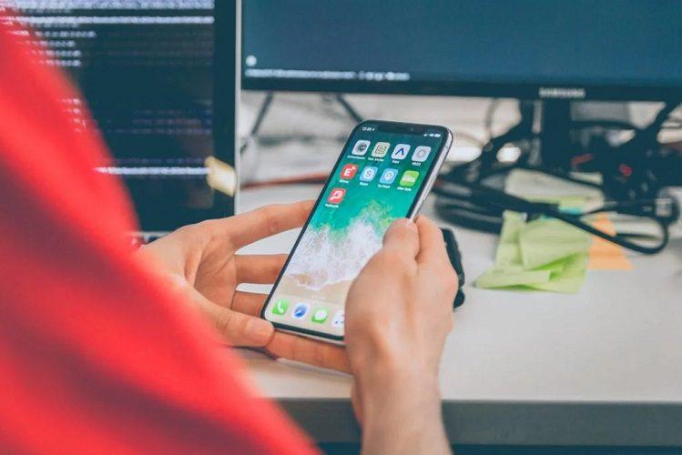 Jak skonfigurować nowego iPhone? Przenieś wszystkie dane i zdjęcia w kilku krokach