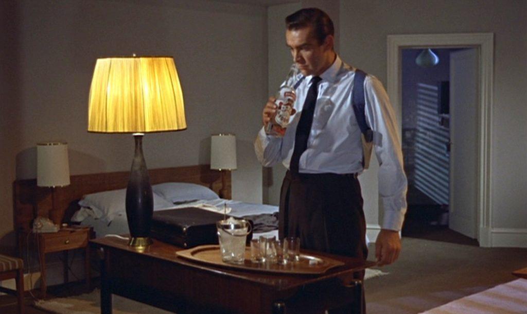 Doktor No Bond wódka Smirnoff