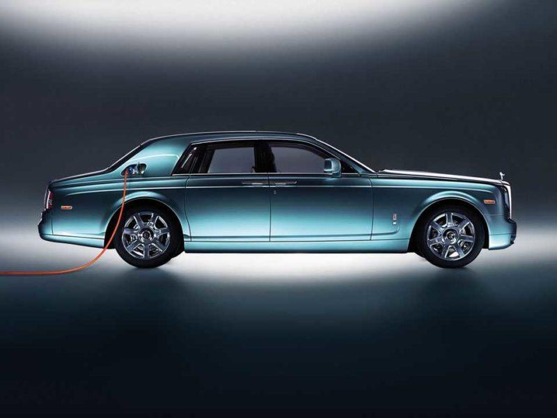 Rolls-Royce zapowiedział pierwszy elektryczny samochód. Nadjeżdza Silent Shadow