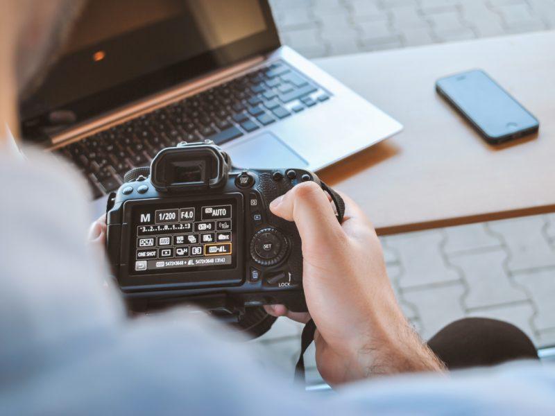 Jaki program do obróbki zdjęć wybrać? Sprawdź nasze TOP 5