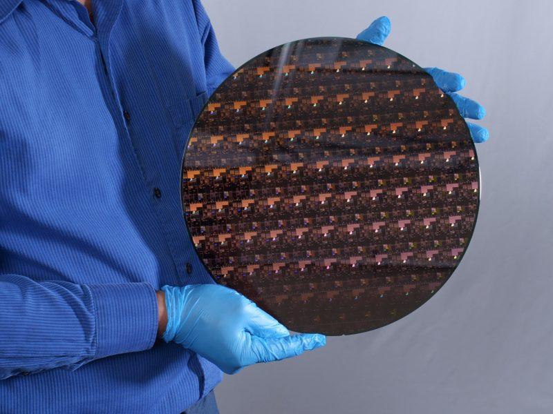 IBM zaprezentowało pierwszy na świecie 2-nanometrowy chip. Nadchodzi technologiczna rewolucja?