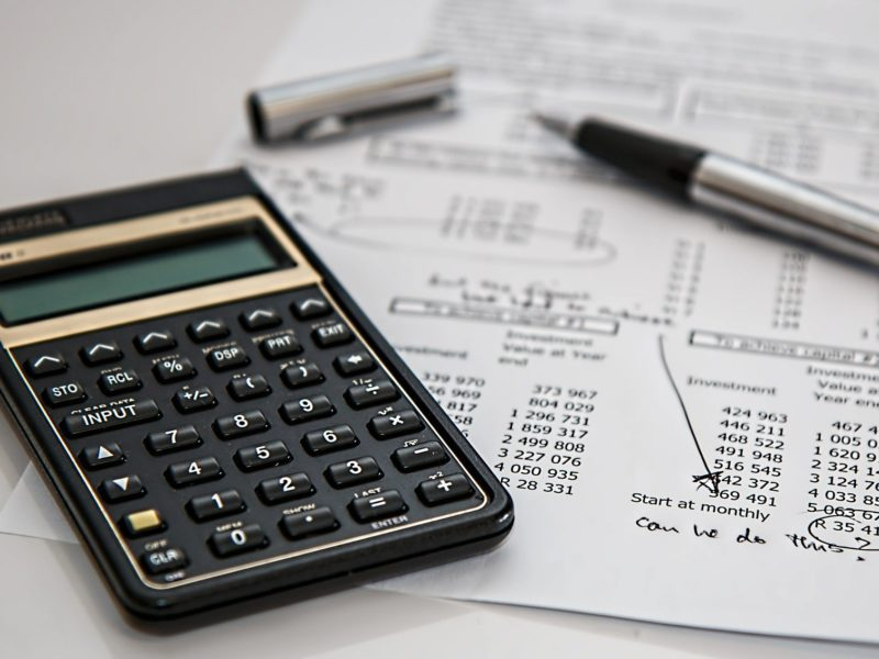 Czy czeka nas podatek od smartfonów? Co oznacza jego wprowadzenie?