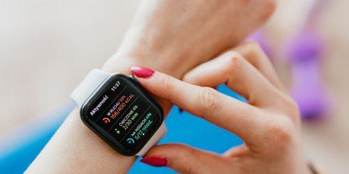 Smartwatch a zegarek sportowy – jakie są między nimi różnice?