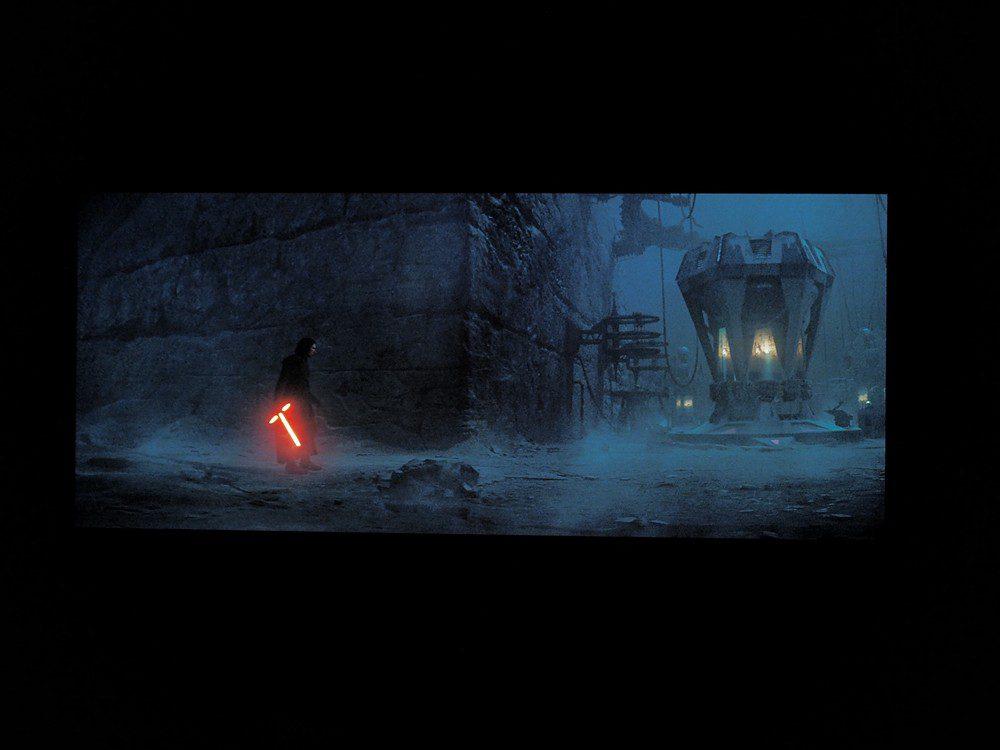 kadr z filmu Skywalker. Odrodzenie na ekranie sony xr55a90j