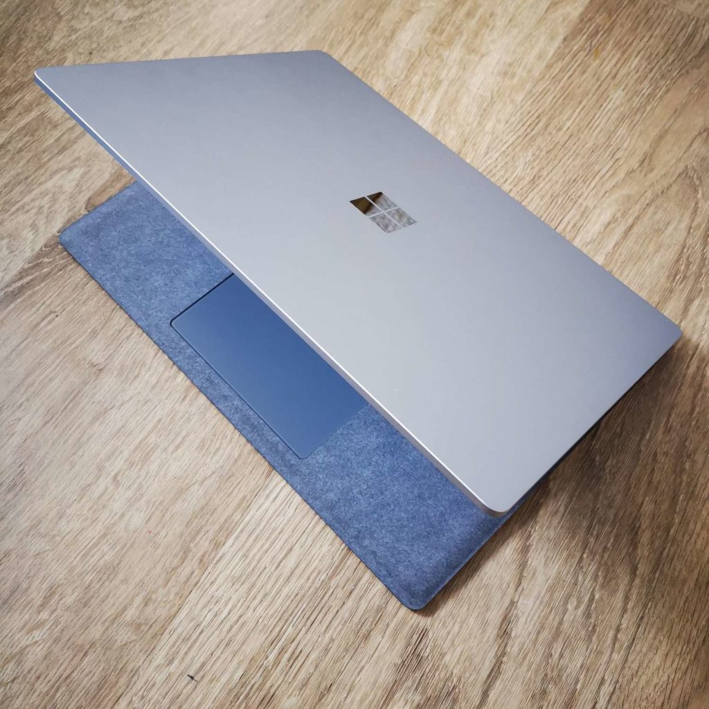 Surface Laptop 4 zawias