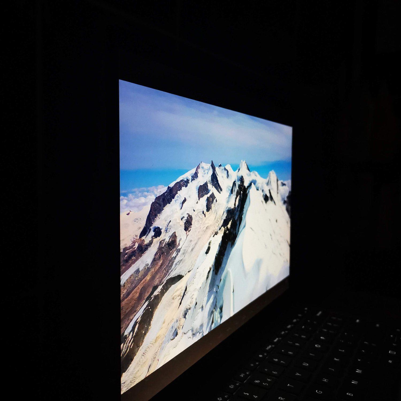Surface Laptop 4 kąty widzenia lewa strona