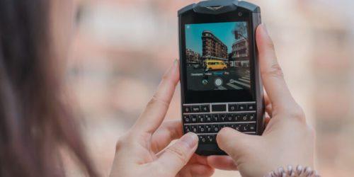 Titan Pocket – najmniejszy smartfon z klawiaturą QWERTY?