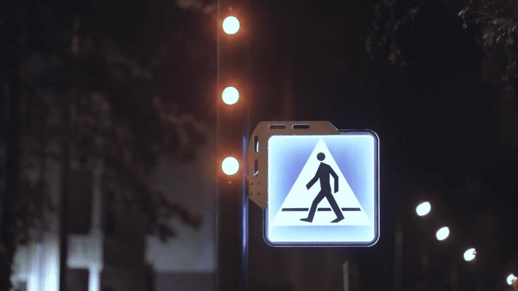 znak d6 przejście dla pieszych Tauron