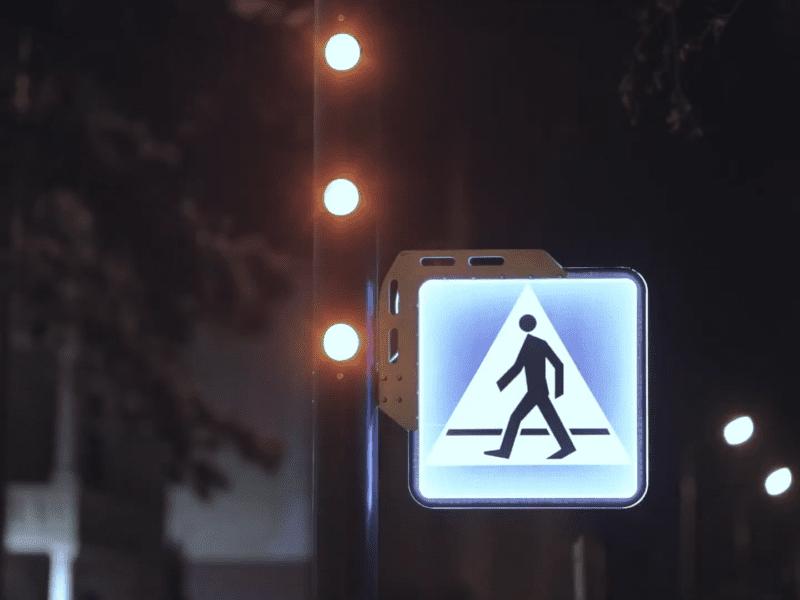 Inteligentne przejścia dla pieszych – po co się je wprowadza?