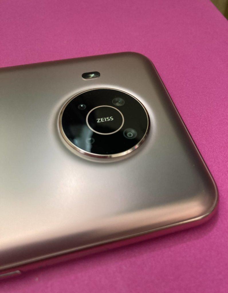 Nokia X20 aparat z tyłu
