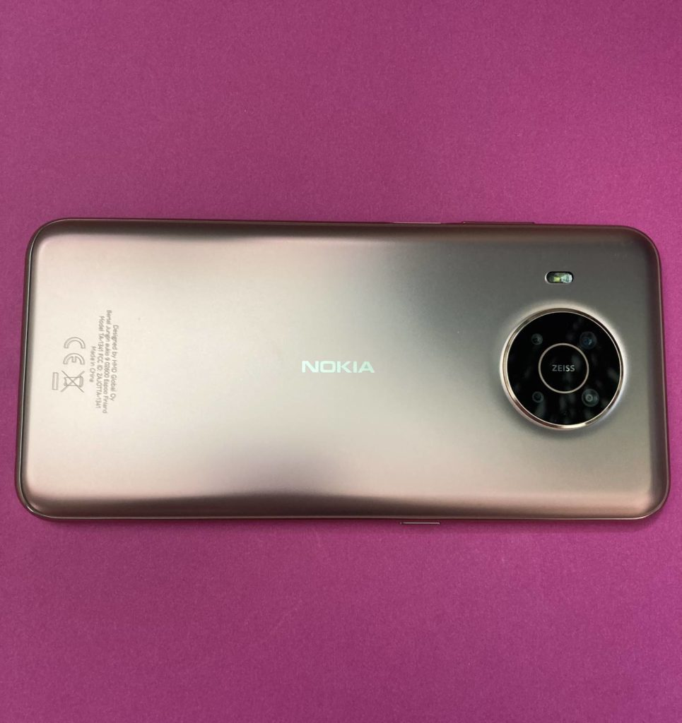 Nokia X20 tył