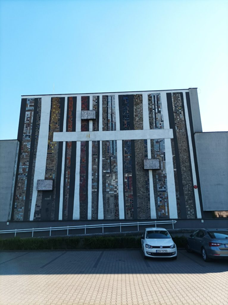 zdjęcie budynku obiektyw główny Redmi Note 10 5G
