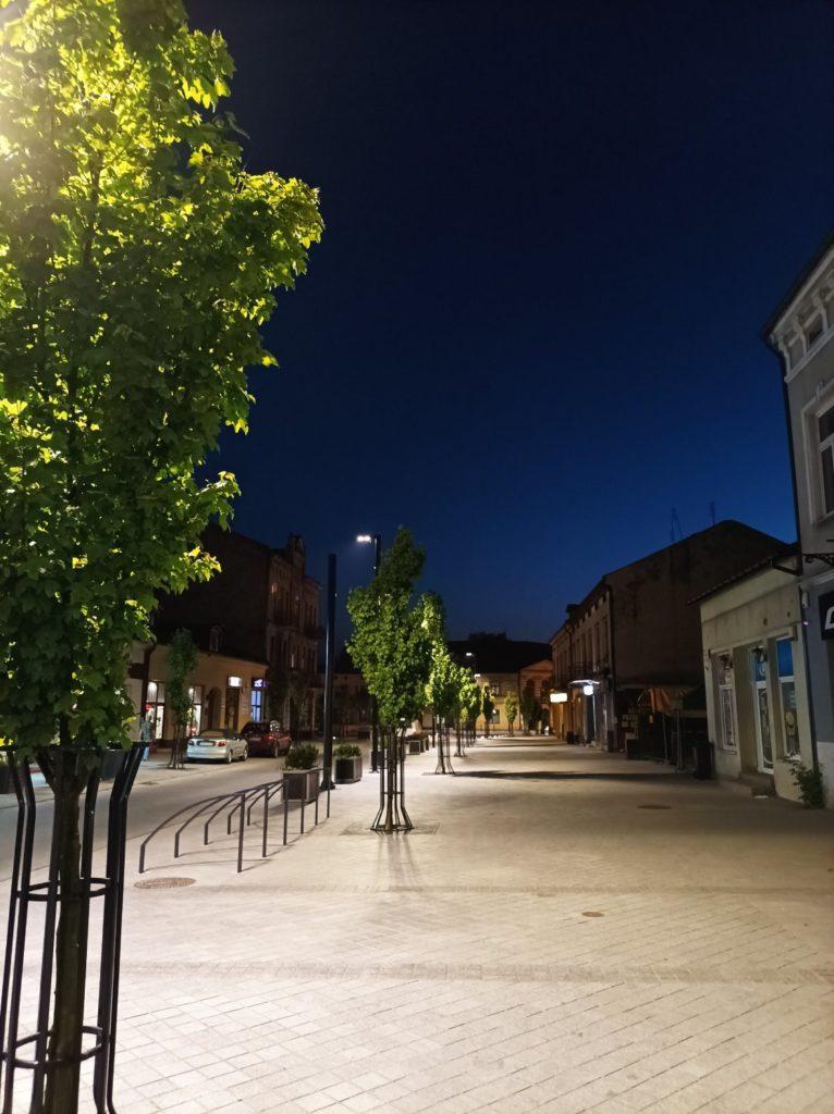 chodnik w trybie nocnym Redmi Note 10 5G
