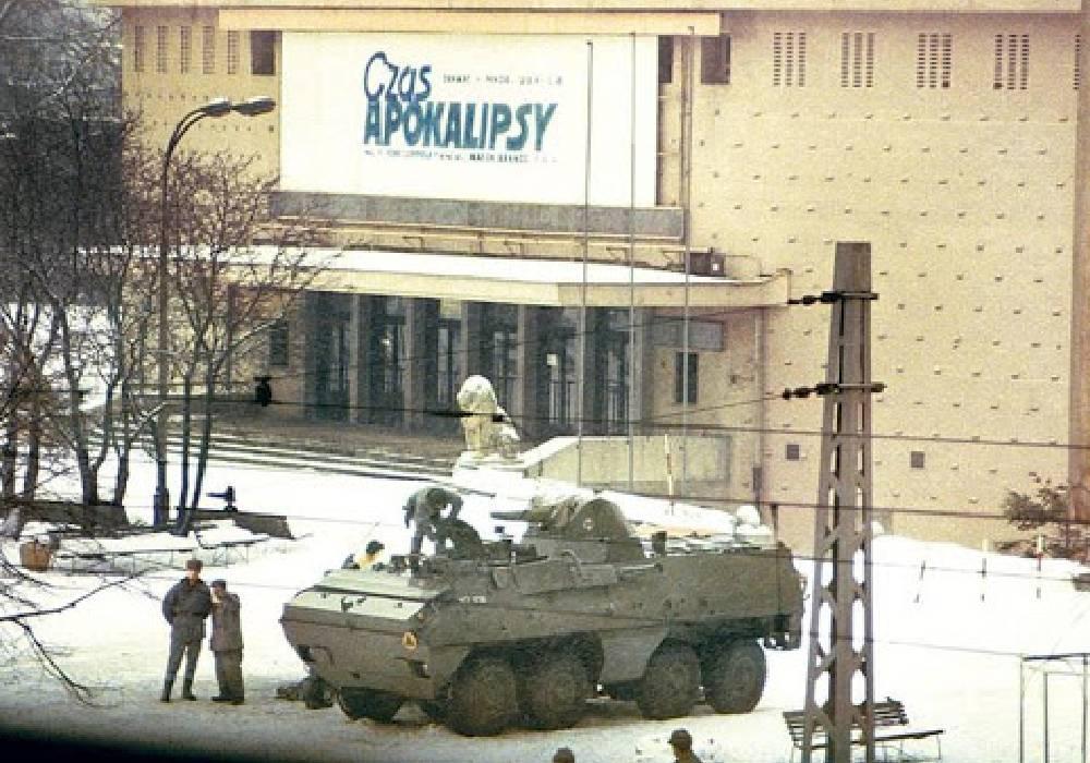 kino moskwa stan wojenny