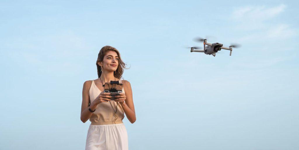 dron wakacje podróż kobieta