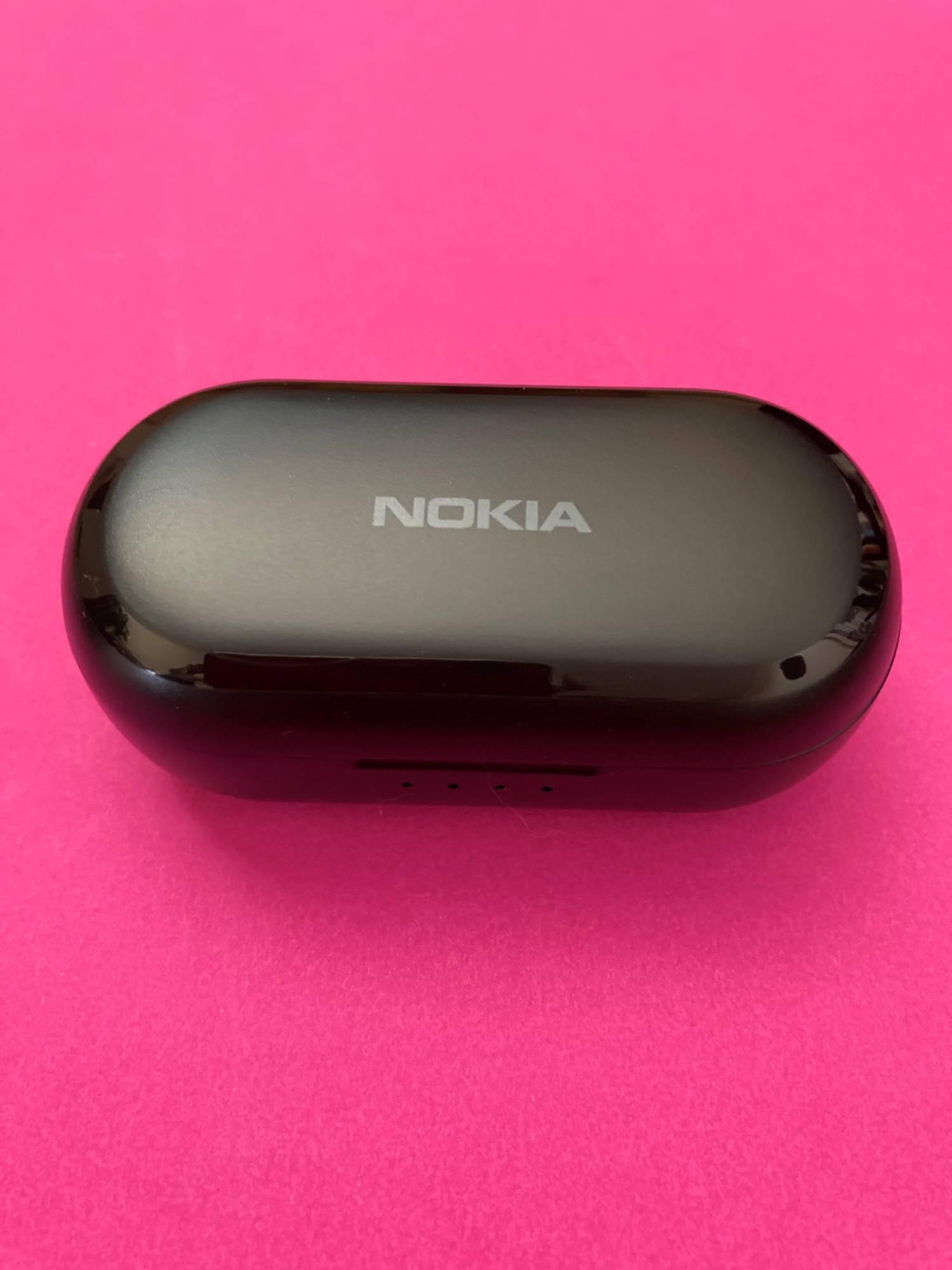 Etui ładujące słuchawek Nokia Earbuds Lite przód