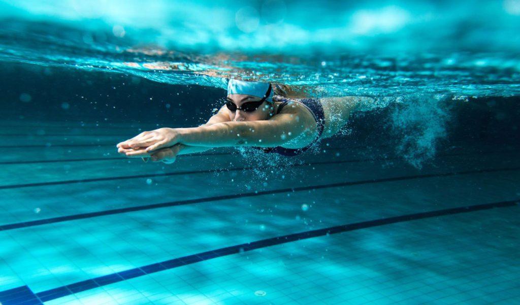 zegarek sportowy do pływania na basen