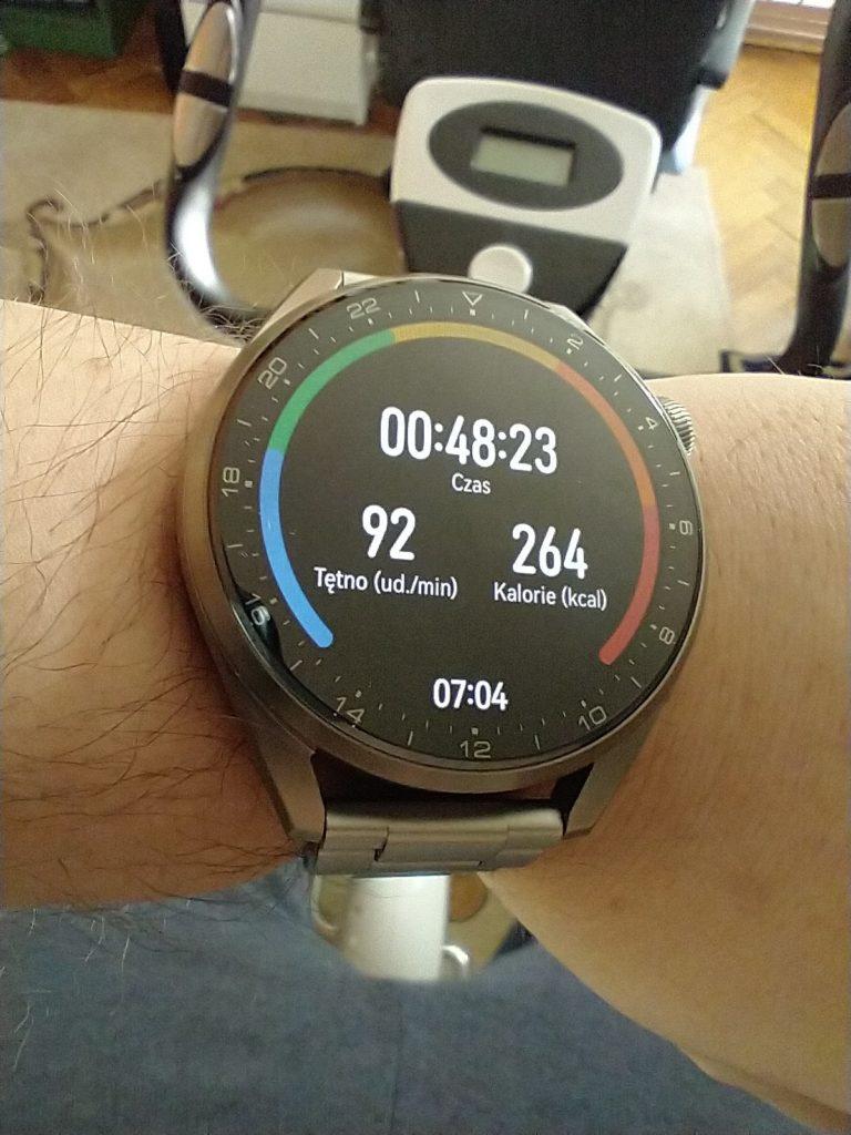 Huawei Watch 3 Pro Elite jazda na rowerze stacjonarnym