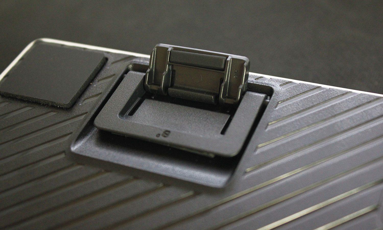 regulowana nóżka o 4 stopnie w klawiaturze logitech g pro kda