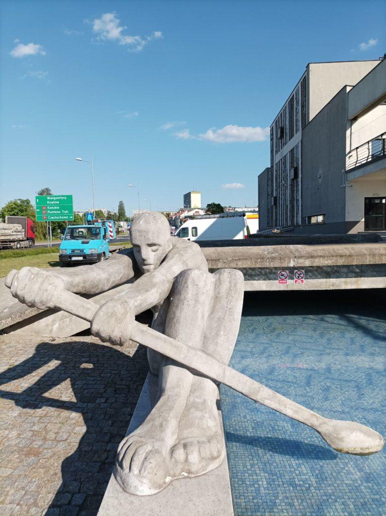 rzeźba w obiektywie głównym Redmi Note 10 5G