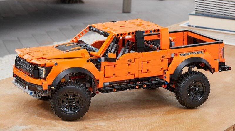LEGO Technic 42126 Ford F-150 Raptor. Amerykański pick-up dołącza do portfolio najsłynniejszych klocków świata