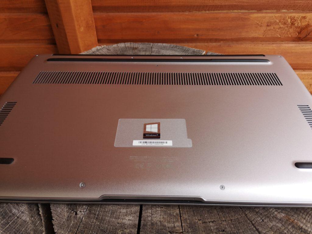 Huawei Matebook D15 podstawa