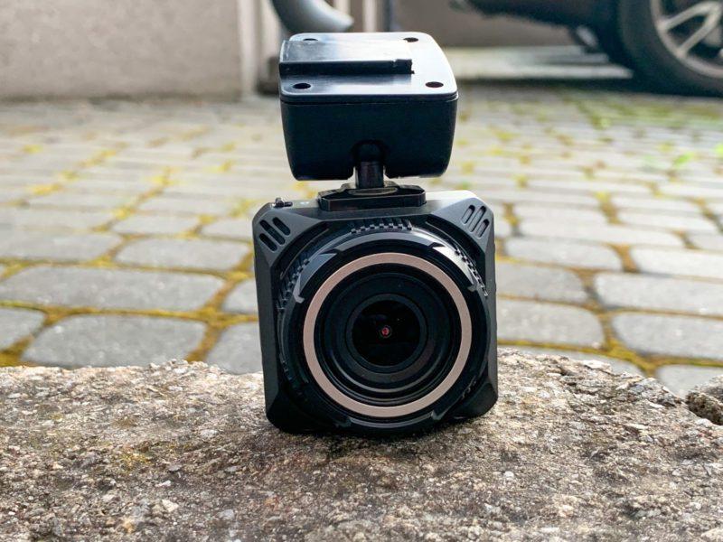 Recenzja wideorejestratora Navitel R5. Ostrzeganie przed radarami w rozsądnej cenie