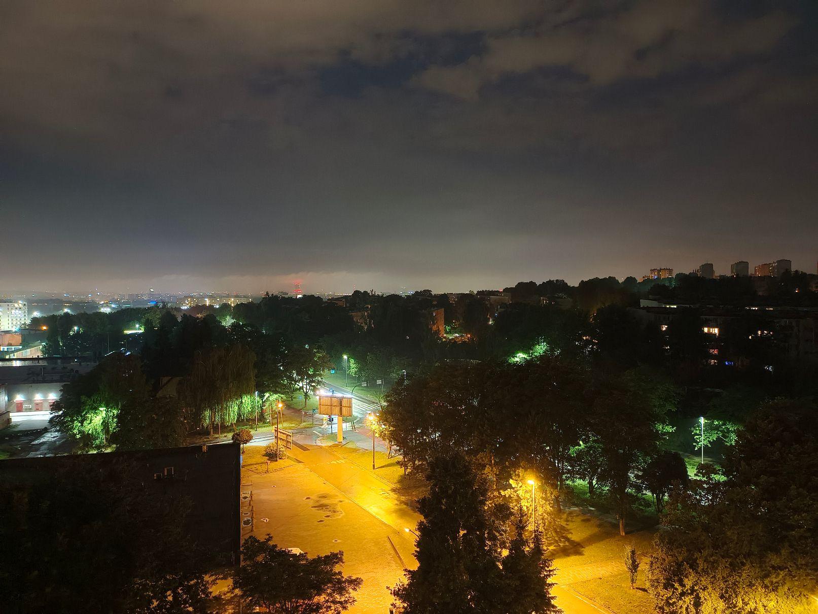 vivo V21 5G zdjęcie nocne