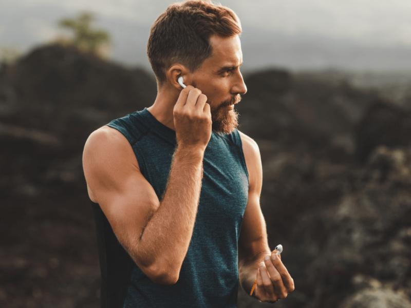 Jakie słuchawki do biegania i treningu wybrać?