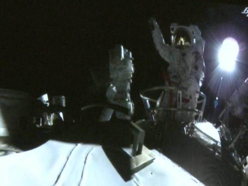 Chińska stacja kosmiczna w budowie. Pierwszy spacer tajkonautów