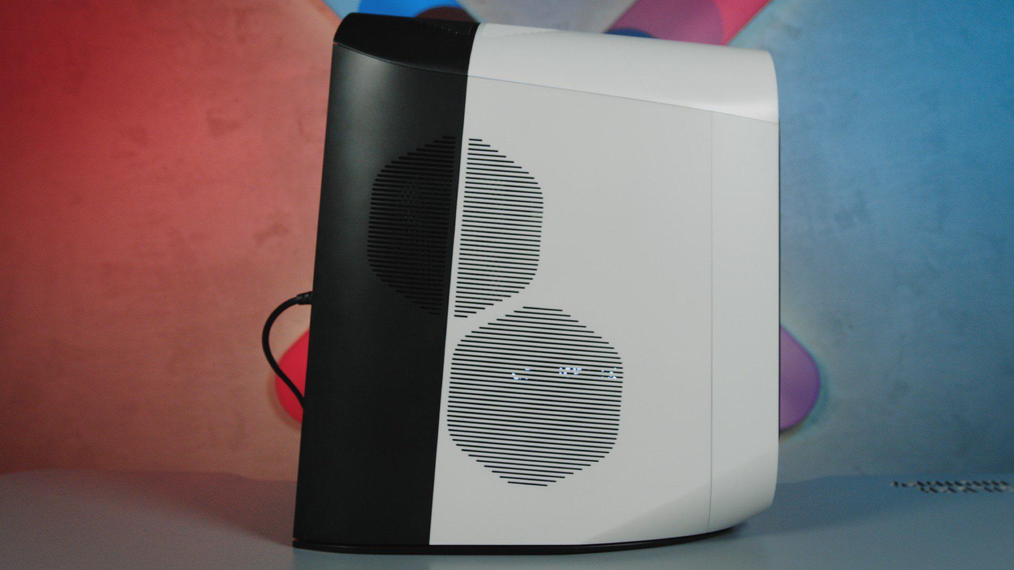 Alienware Aurora R10 bok