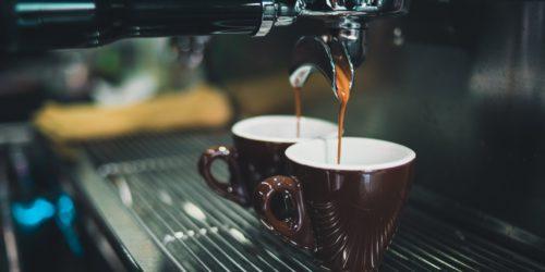 Ekspresy do kawy  – jak wybrać model, który sprosta Twoim oczekiwaniom