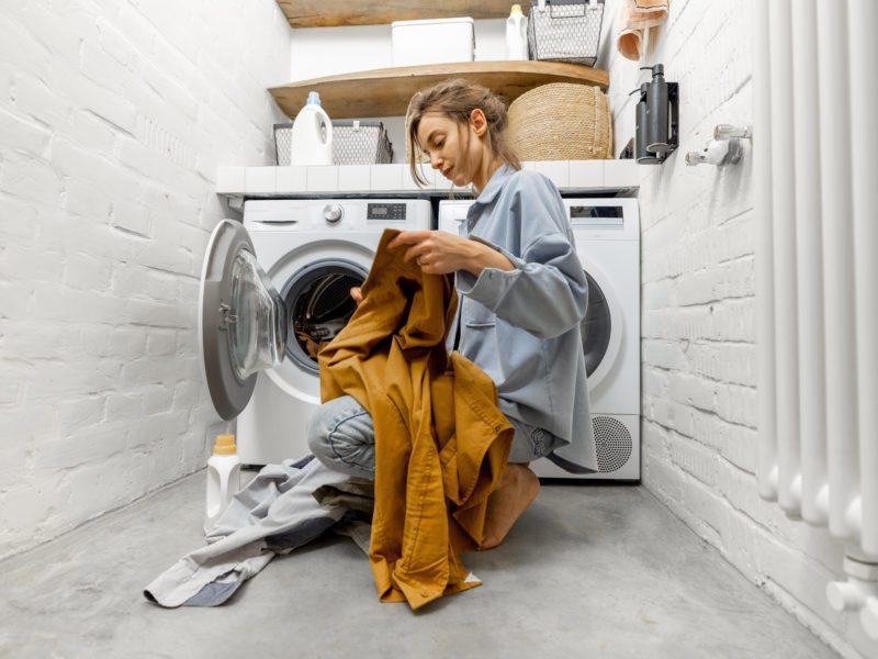 Suszarka bębnowa do ubrań – co warto wiedzieć przed zakupem?
