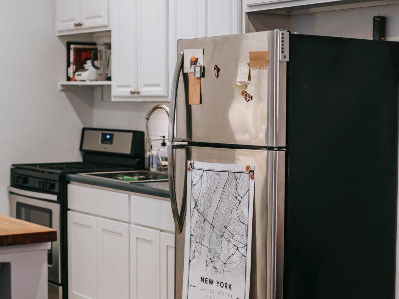 Jaką lodówkę kupić – sprawdź przewodnik zakupowy