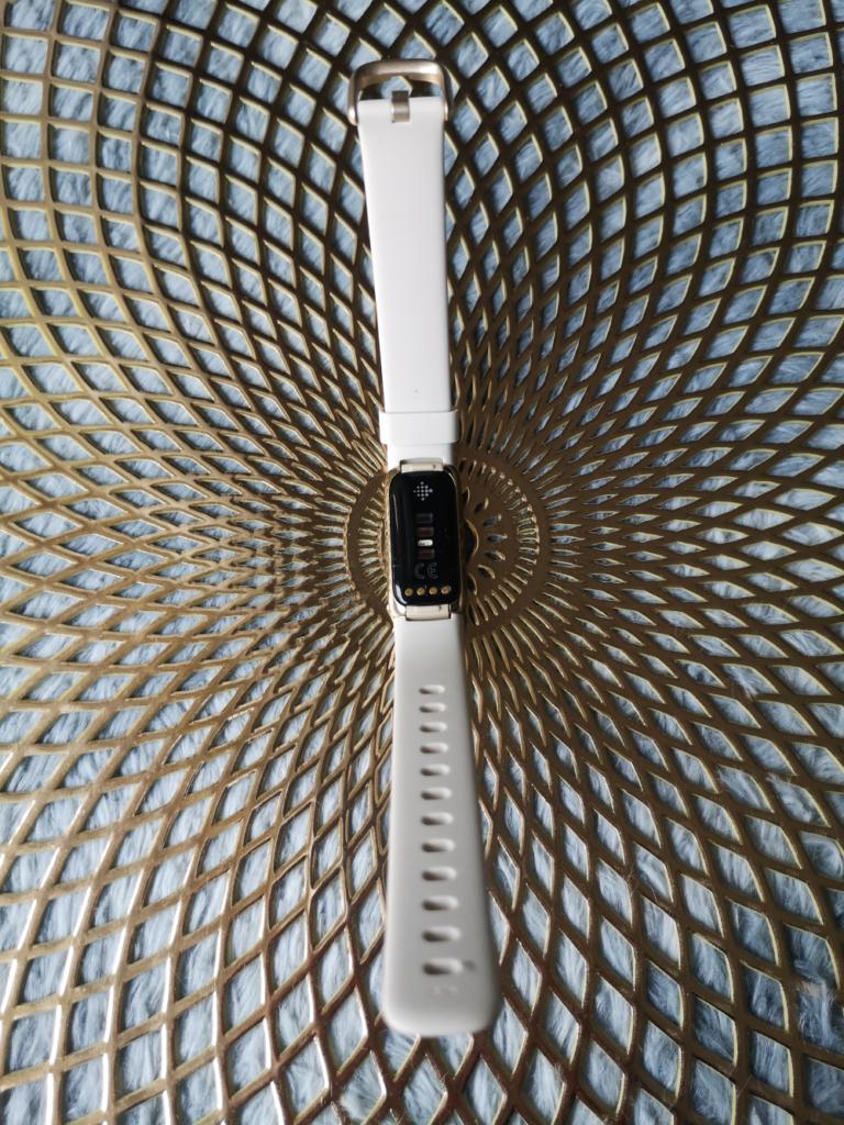 Fitbit Luxe test i recenzja