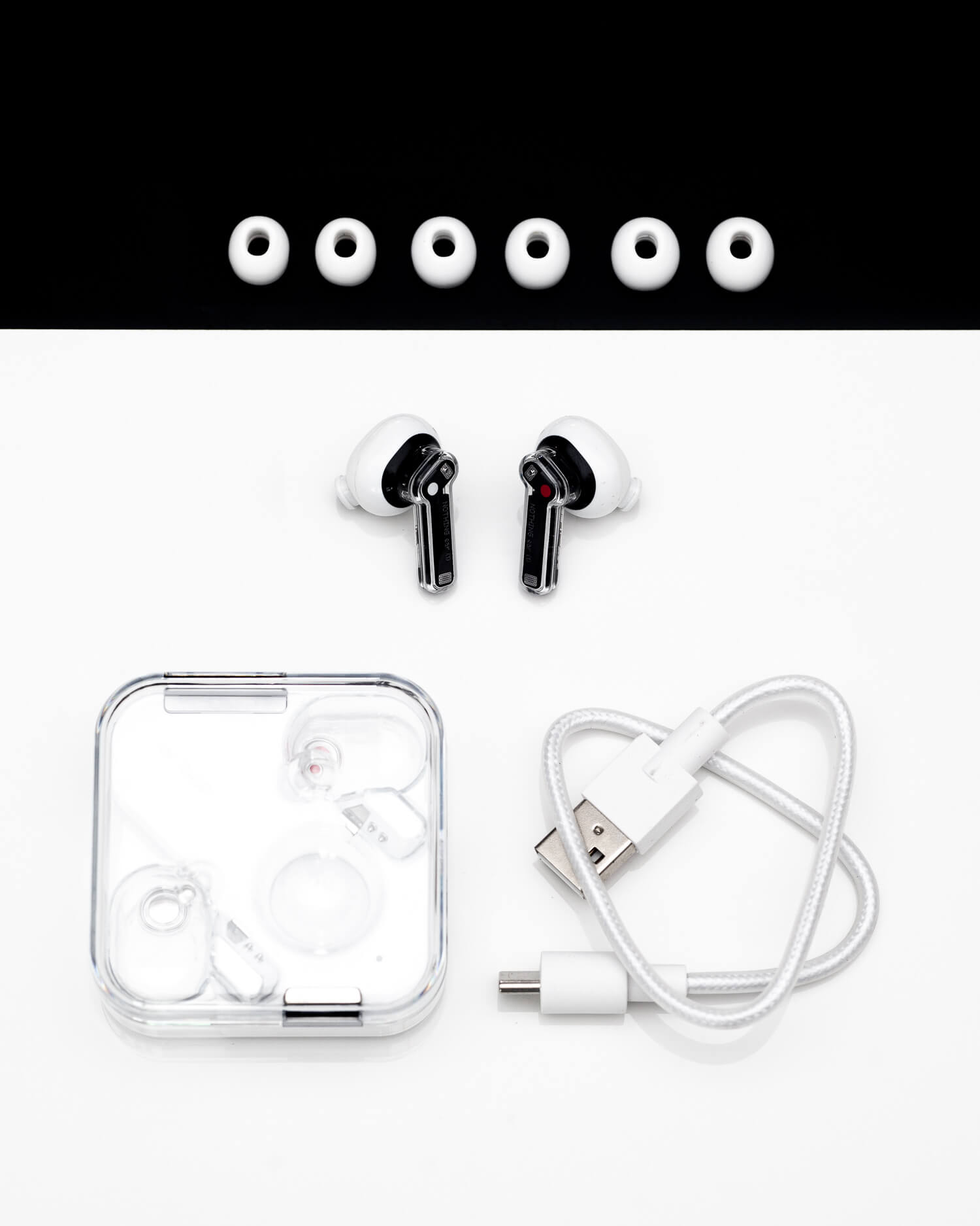Unboxing nothing ear (1)