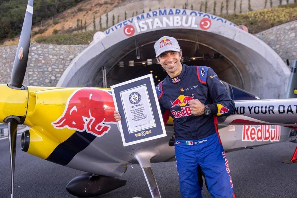 Dario Costa Red Bull z certyfikatem rekordu księgi Guinnessa