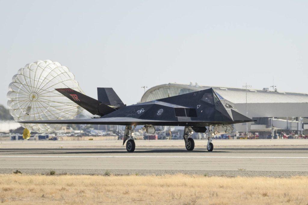 F-117 ćwiczenia