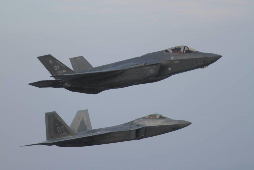F-35 F-22