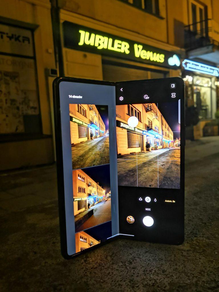 Galaxy Z Fold 3 jako statyw