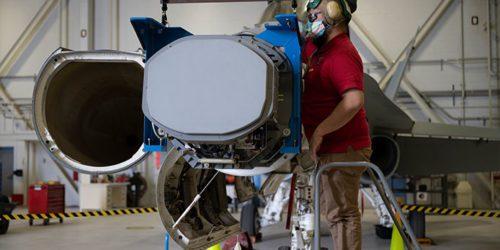 Kanadyjskie F-18 z nowym radarem. Lepiej późno niż później