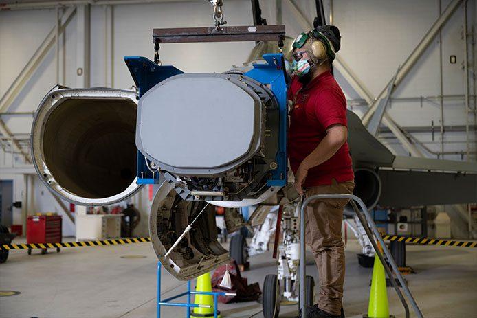 Radar AESA F-18 dla Kanady