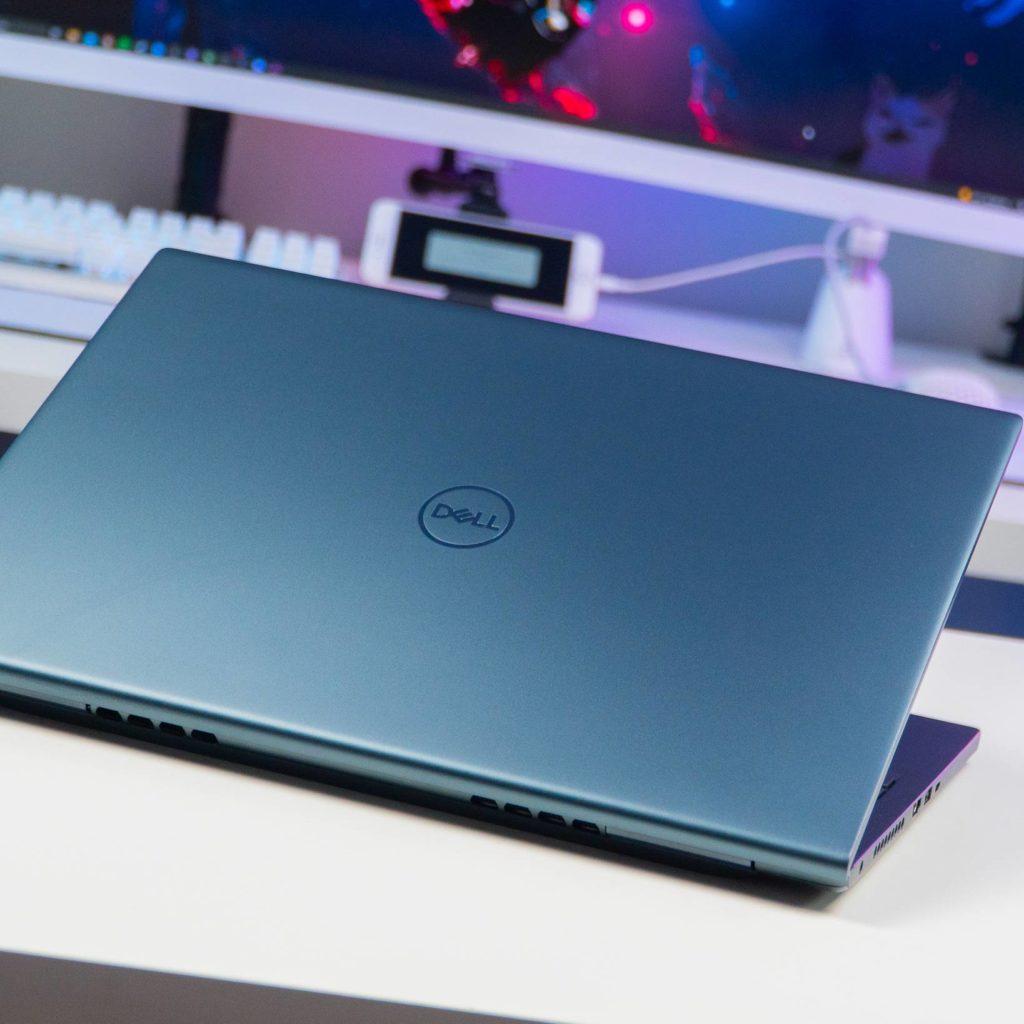 Uchylony laptop Dell 16 Plus 7610