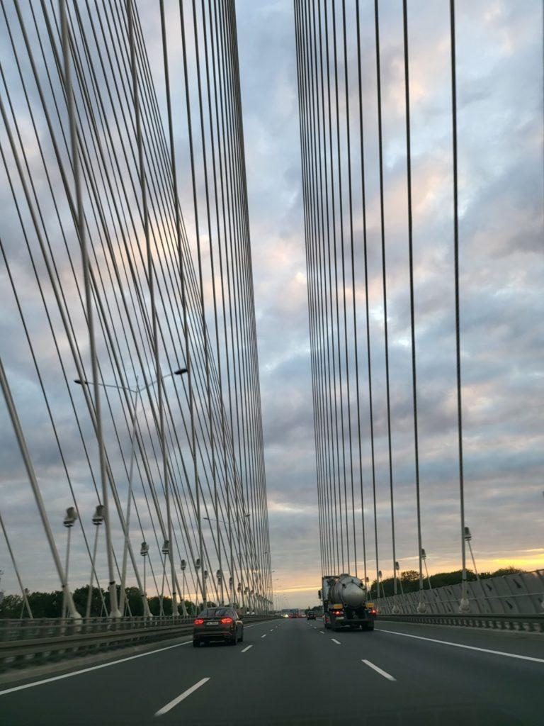 Galaxy Z Fold 3 główny most