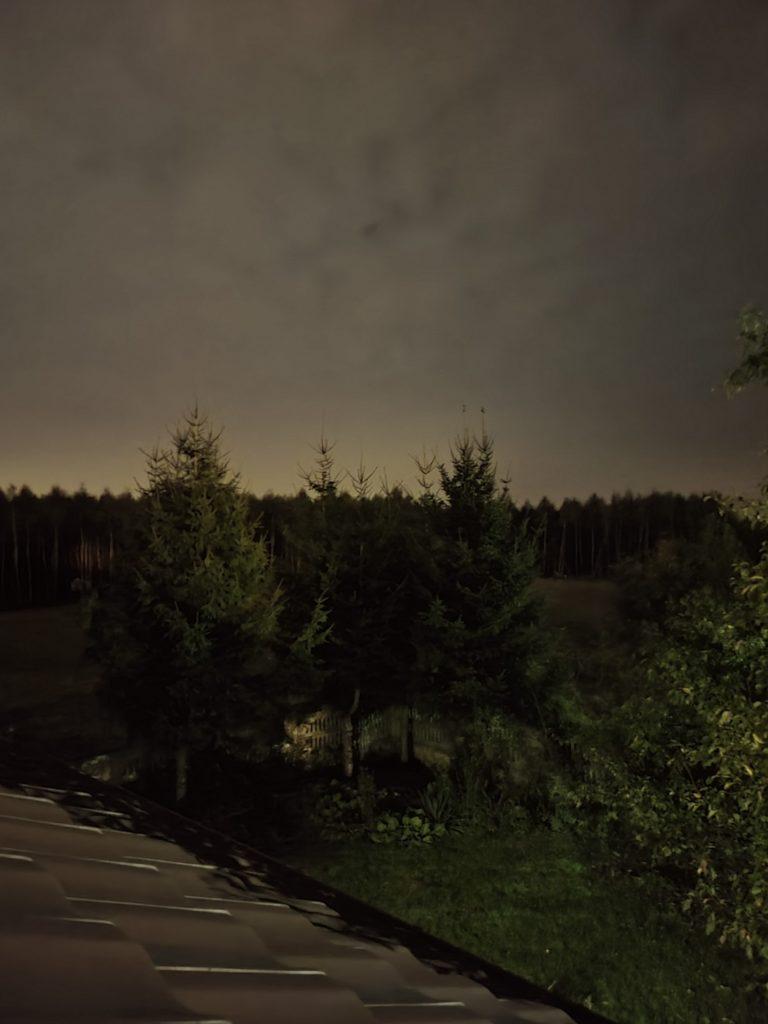 Galaxy Z Fold nocny panorama